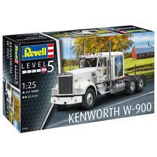 Revell Kenworth W-900 Truck Model Kit - Scale 1:25 - 07659