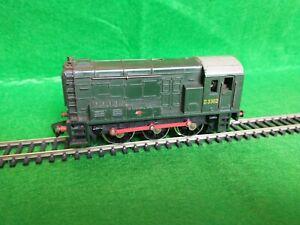 Hornby Dublo 2 Rail 08 Diesel Shunter 0-6-0 D3302 (2231) BR Green