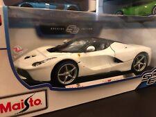Maisto 1:18 Scale Special Edition Diecast Model Car - Ferrari LaFerrari (White)