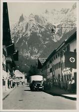 Otto Kröner, München, Allemagne, Village de Bavière à identifier, drapeau nazi d