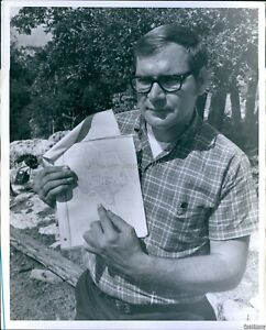 Vintage Dr Robert Bob Mclean Points Out Location Of Tx Cave Science Photo 8X10