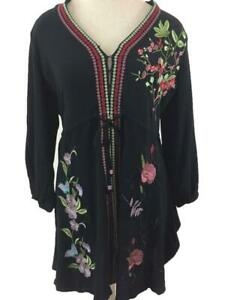 V Cristina top blouse size M tunic peasant boho embroidered floral 3/4 sleeve