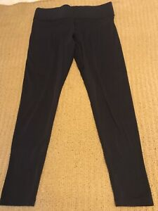 Ladies Victoria Secrets Pink Leggings Size 12-14