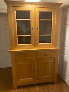 solid oak welsh dresser, top and bottom sections, display cabinet, light oak