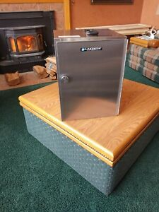 Lakeside 112 Stainless Steel Food Carrier Box for Room Service Table