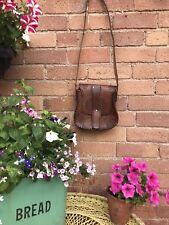 Magnifique vintage années 70 Boho avec outils en cuir Saddle sac Sacoche Sac à main