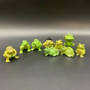 """9 Hard Plastic Frogs Vintage Lounging Top Hat MIniatures 2"""" Tall"""