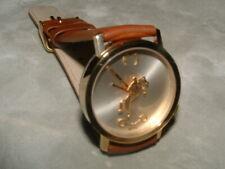 Akteo Uhr Modell Steinzeit Primitive braun in Stahl Glanz.
