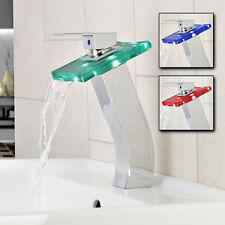 26 cm Hohe Glasarmatur Wasserfall Armatur eckiger Griff LED Technologie