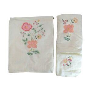 JCPenny Elizabeth Gray Vintage Bath Towel Set NEW 3pc Embroidered Satin Floral
