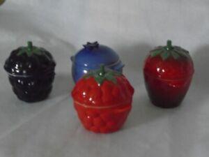 Le Creuset Stoneware Set of Four Berry Cocotte Ramekin, EUC