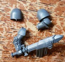 Warhammer 40k Space Marines Bits: Bladeguard Veteran Cleaning Blade Arms