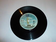 """MUD - Dyna-mite - 1973 UK 7"""" vinyl single with intact four prong centre"""