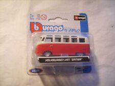 """Van """"Samba"""" Volskwagen rouge et blanc de marque Burago 1/64 neuf emballé"""