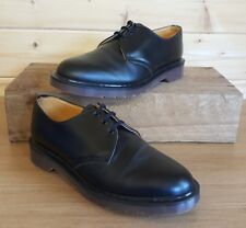 DR MARTENS TOP QUALITY BLACK LEATHER SHOES,UK 7,MINT CONDITION,MADE IN ENGLAND
