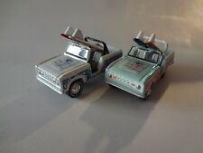 Johnny Lightning 1966 Ford Bronco w/ Surf Boards x2 - Loose New Mint 1:64