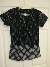 Women's Scrub Top Size 6.Black/White Dots.Good Condition
