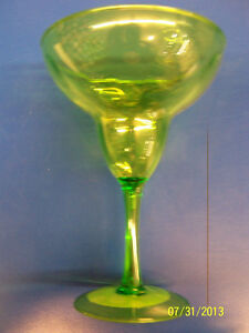 Tropical Brights Summer Luau Cocktail Pool Party Plastic Margarita Glass - Green