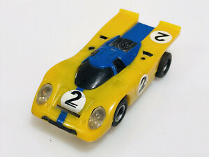 aurora afx magnatraction Yellow Blue #2 Porsche 917k Ho Slot Car