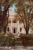 Vintage postcard Stanton Hall Mansion Natchez Mississippi lamp post  a2-464