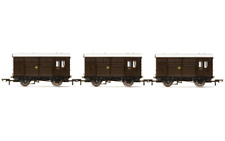 Hornby R6883 Pack of 3 GWR Horse Box 00 Gauge