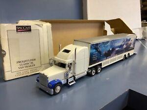 Hi-line transport Freightliner Classics 1/64 SpecCast Tractor Trailr Semi Truck