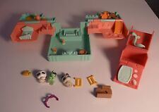 Littlest Pet Shop Green and Pink Teensies Set with Three Tiny Animals