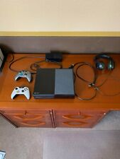 Microsoft Xbox One 500 Gb Console w/ 2 controllers/power cords/Hdmi/Headphones