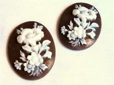 F541...PACK OF 4  PRETTY RESIN CAMEO CABOCHONS - WHITE ON BROWN