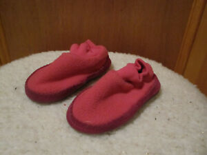 LL BEAN Toddler Fleece Bootie Boot Slippers Ribbed Collar PINK 251946 5-6