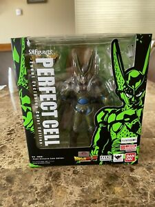 SDCC 2018 Event Exclusive - Perfect Cell Dragonball Z SH Figuarts Tamashii