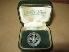 Hallmarked 1967 Silver Boy Scouts Badge in original Scout Association Box.