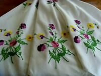 VINTAGE HAND EMBROIDERED LARGE LINEN TABLECLOTH ~ BEAUTIFUL SPRING PANSIES