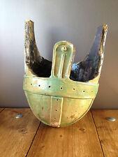 Insolito grandi Argilla studio Pottery Roman Casco da cesto sospeso plant pot fioriera