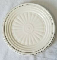 Vintage Club Aluminum Pottery Heat Resisto Table Tile Trivet Creamy White, Gold