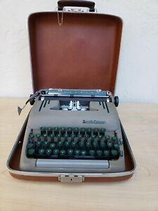 1954 Smith Corona Silent-Super Typewriter # 5T196147 with Case Green Keys!