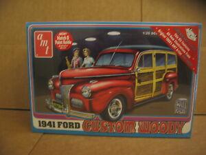AMT/906 1941 FORD CUSTOM WOODY