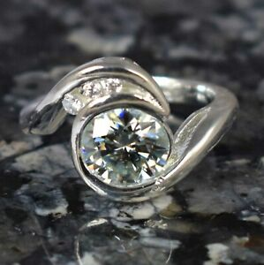 925 Silver White Diamond Halo Solitaire Special Occasion Ring 4.65 Ct Certified