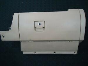 2000 VOLKSWAGEN BEETLE GLOVE BOX CREAM