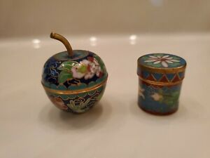 Vintage Lot of 2 Brass Pill Box With Enamel Design Excellent Condition