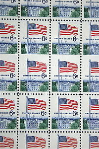 US Sheet Sc#1338 - 2 Rows of Blind Perfs in Middle of Stamps    S416