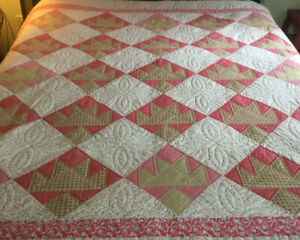 Crown Quilt In Red, Brown, Gold, Pink Crown Pattern, 80 X 80