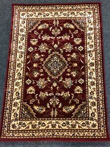 Red Traditional Rug (3 ft 11 in x 5 ft 7 in)