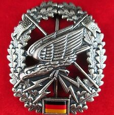 CURRENT GERMAN ARMY COMMANDO LONG RANGE RECONNAISSANCE BERET BADGE MEDAL