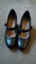 Ladies Black Clarks shoes size 5