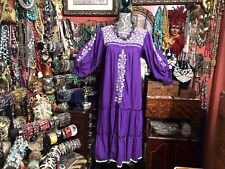 Beautiful Vintage Mexican Oaxacan Purple Dress White Embroidery Long Sleeve M/L