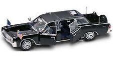 Lincoln X 100 President D. Eisenhower 1961 1:24 Model LUCKY DIE CAST