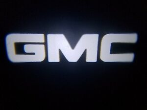 2PC WHITE GMC 5W LED EMBLEM DOOR PROJECTOR GHOST SHADOW PUDDLE LOGO LIGHT