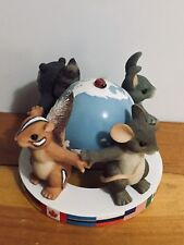 "Vintage 2001 Charming Tails ""Friends Around The World� Limited Edition Figurine"