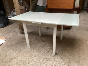 Modern White Extending Dining Kitchen Table with Detachable Legs